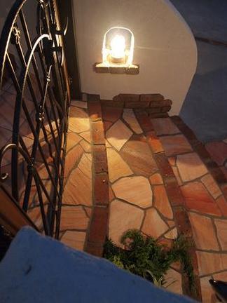 階段脇のマリンライト
