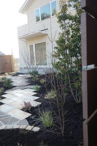 完成「お庭を眺めて」