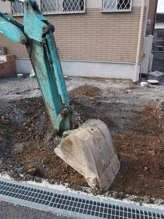 掘削作業開始です