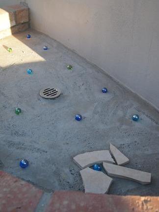 立水壁の床