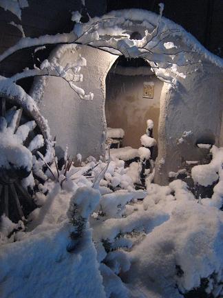アーチにも雪