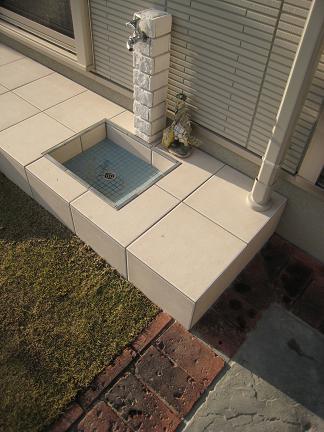 お庭の中の立水栓