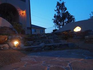 自然石積みの階段