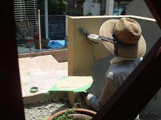 塗壁作業中