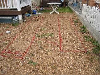 地面にラインを描きます