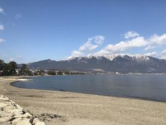 琵琶湖と比良連峰