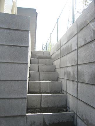 勝手口の階段