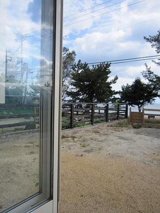 琵琶湖を望む庭