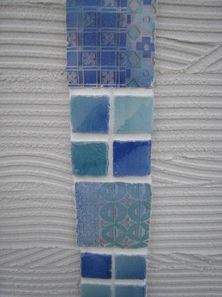 目地入れ後のガラス釉タイル