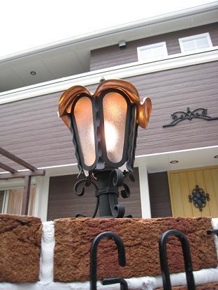 銅製の門灯