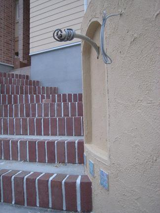 門柱から眺めた階段