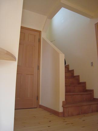 内部階段タイル貼り