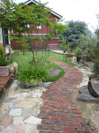 足湯のある癒しの庭