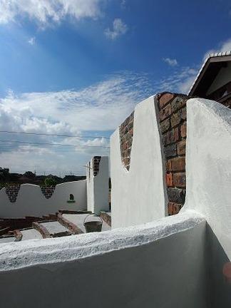 門壁越しに見た空