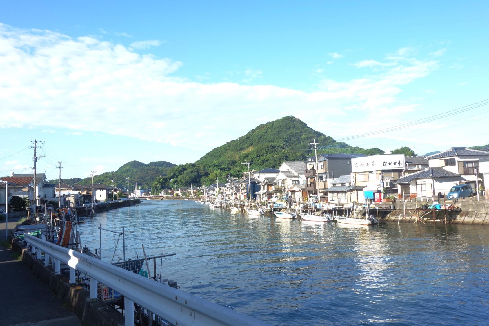 河口の漁村(撮影:中野龍三)。