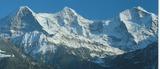 欧州のアルプスの山並み