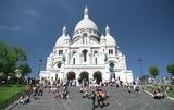 パリ:サクレール寺院前の階段