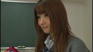 【女子校生】クラスメイトの小悪魔ギャルズのパンチラ誘惑3P