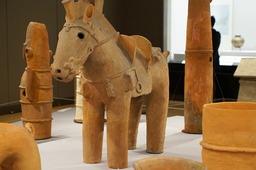 20200213NEXs406飾り馬