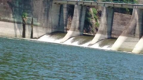 津久井湖ダムサイトズーム