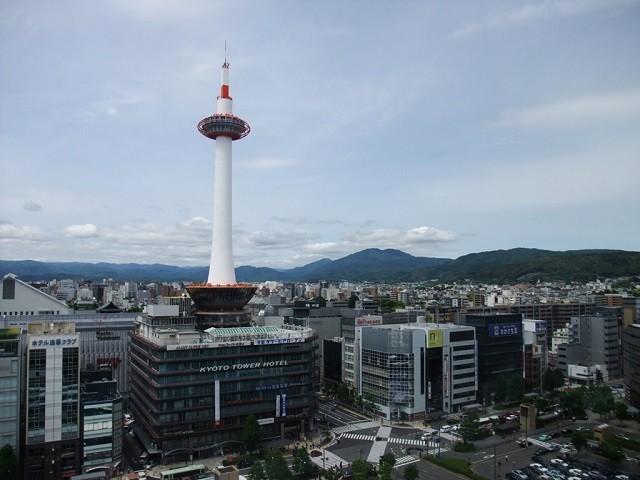 夏に京都にぼっち旅行に行った時の話。  手配がギリギリになってしまって定宿が取れなかったので、使った事のないホテルに宿泊することに。
