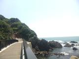 弁天島に立つ