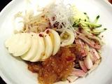 冷麺¥750は麺が細くて美味い!