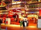 女の人が行くという中国のお寺に行って