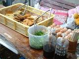 ダシも天ぷらも卵もネギもセルフだよん