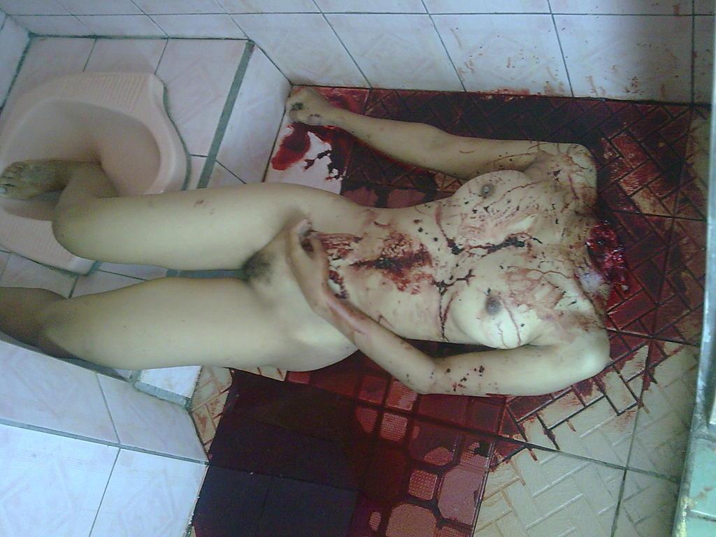 少女女性全裸死体