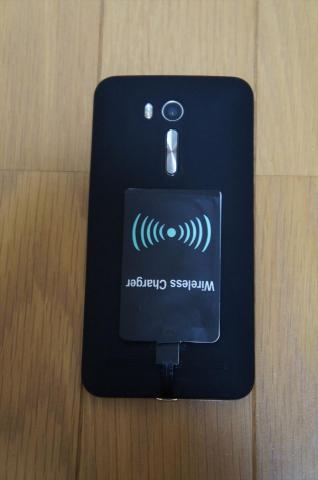 Zenfone Goと一緒に使いたいアイテム④Qi充電パッド