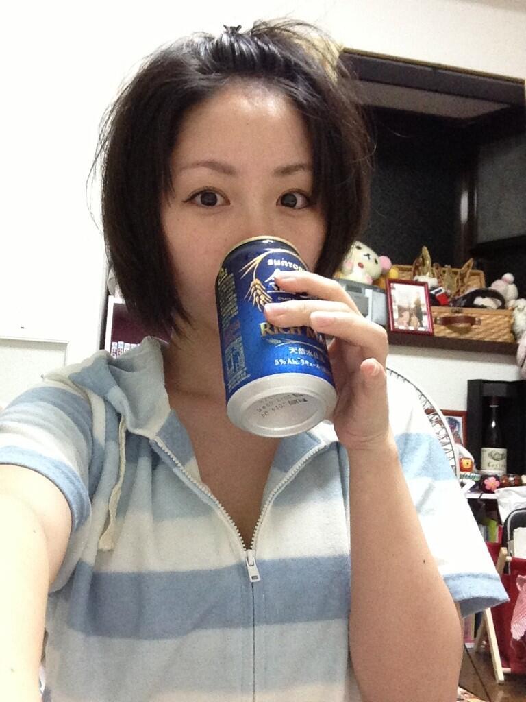 元グラビアアイドルの家飲み写真wwwww