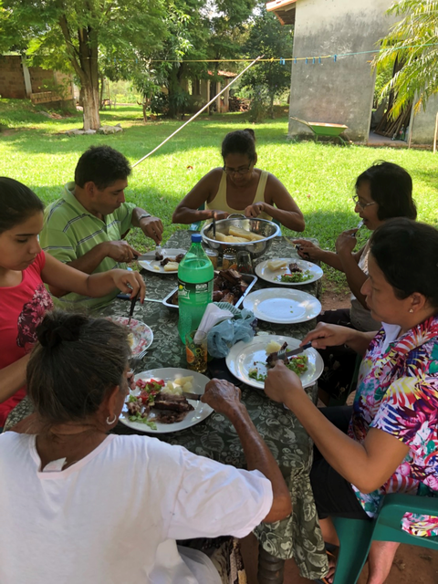 イタグア クリスティーナ家族と食事