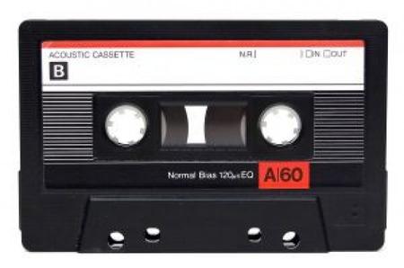 J( 'ー`)し 「あら?何かしらこのカセットテープは」