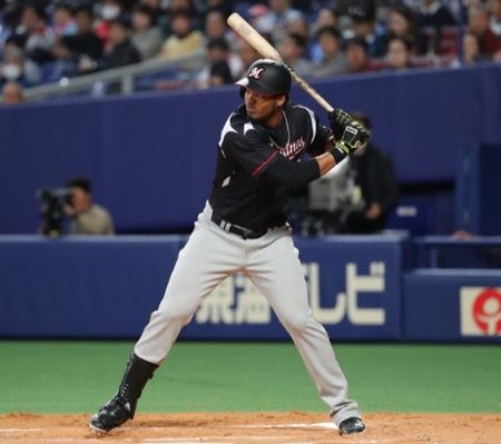 【朗報】ジミー・パラデスさんと山田哲人さんの打率が並ぶ