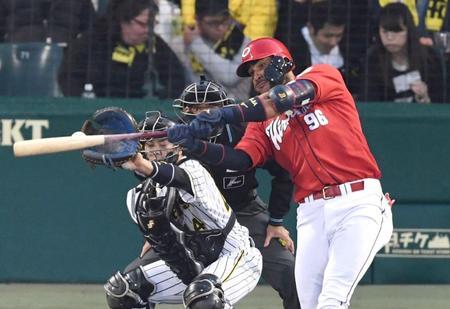 広島カープの第70代4番打者はアレハンドロ・メヒア