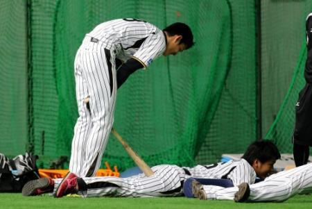 【画像大量】藤浪晋太郎、松田のケツにバットを刺す
