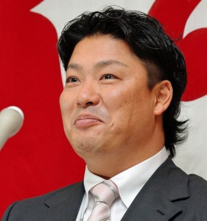 【名誉】選手会長村田「生え抜きと変わらない扱いをしていただいて光栄!生涯巨人」