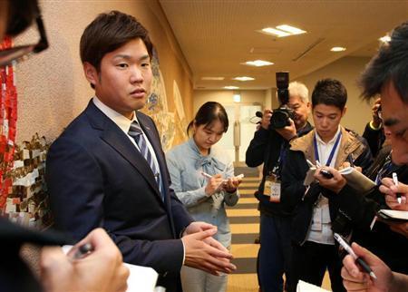 【夕刊フジ】報道合戦に困惑… 西が「阪神入り」を否定