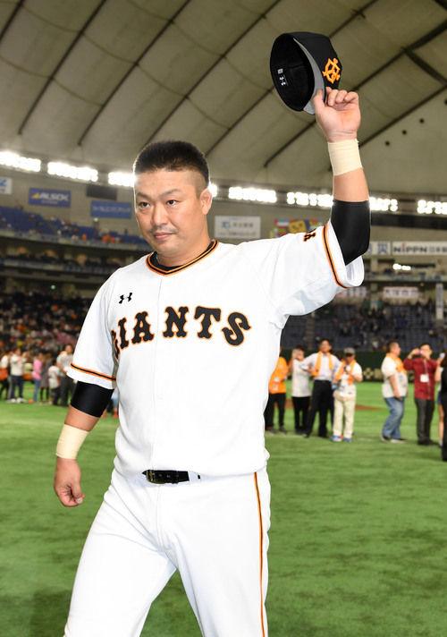 【悲報】戦力外選手との契約解禁から半月経過したのに村田修一さんにオファーなし