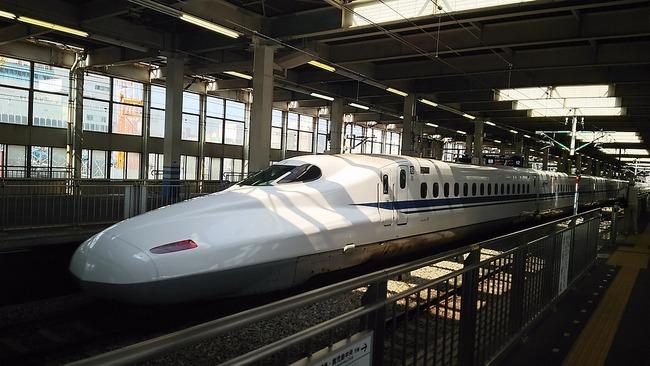 bullet-train-1918480_1280