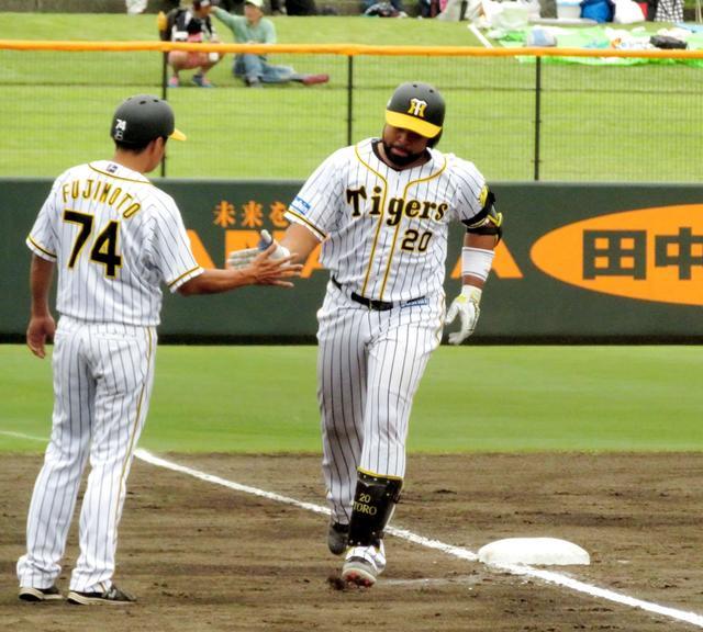 ロサリオ(2軍)打率.342(38-13)3本塁打11打点7三振0四球 長打率.632出塁率.342