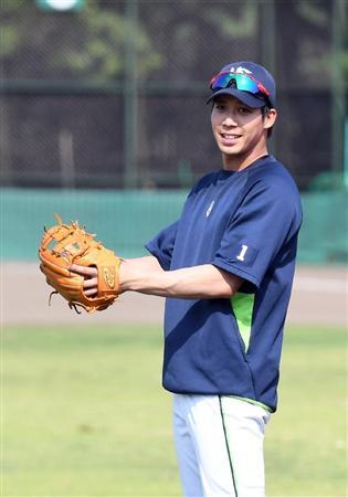 燕・山田、18日日本ハム戦で左肩甲骨付近に死球も「超人回復力で大丈夫」