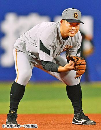巨人村田、最近二塁でノック練習を受けている模様