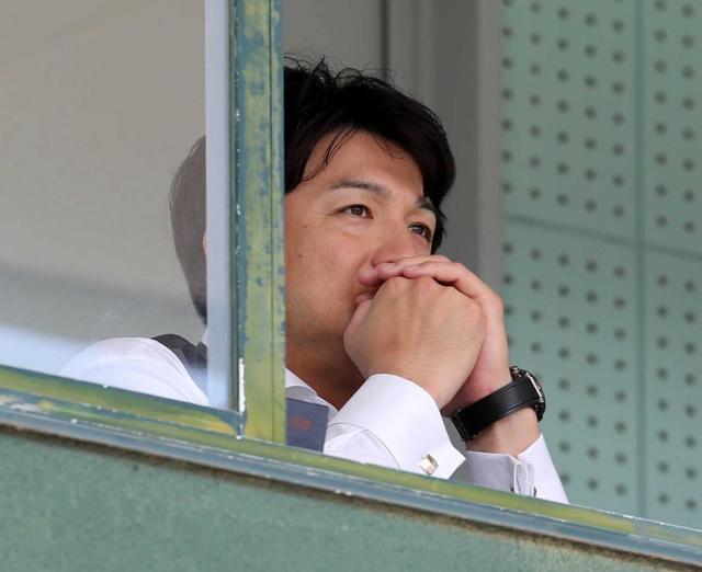 【悲報】巨人・由伸監督、岡本のミスに声を荒げる