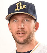【悲報】オリックスモレル、今年で野球選手を引退して実家のぶどう園で働く