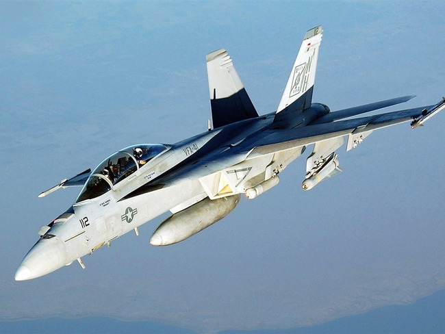 FA-18-Hornet-VFA-41-Fighter_1024x768