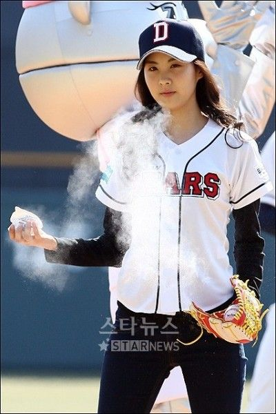 20100328_snsd_pitch_9-400x600