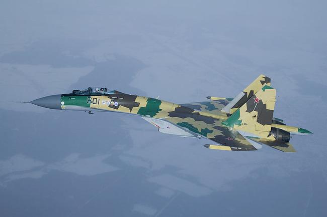 800px-Su-37