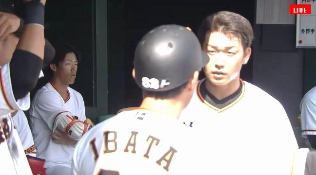 【練習試合】巨人ショート山本、エラーをして井端コーチから説教
